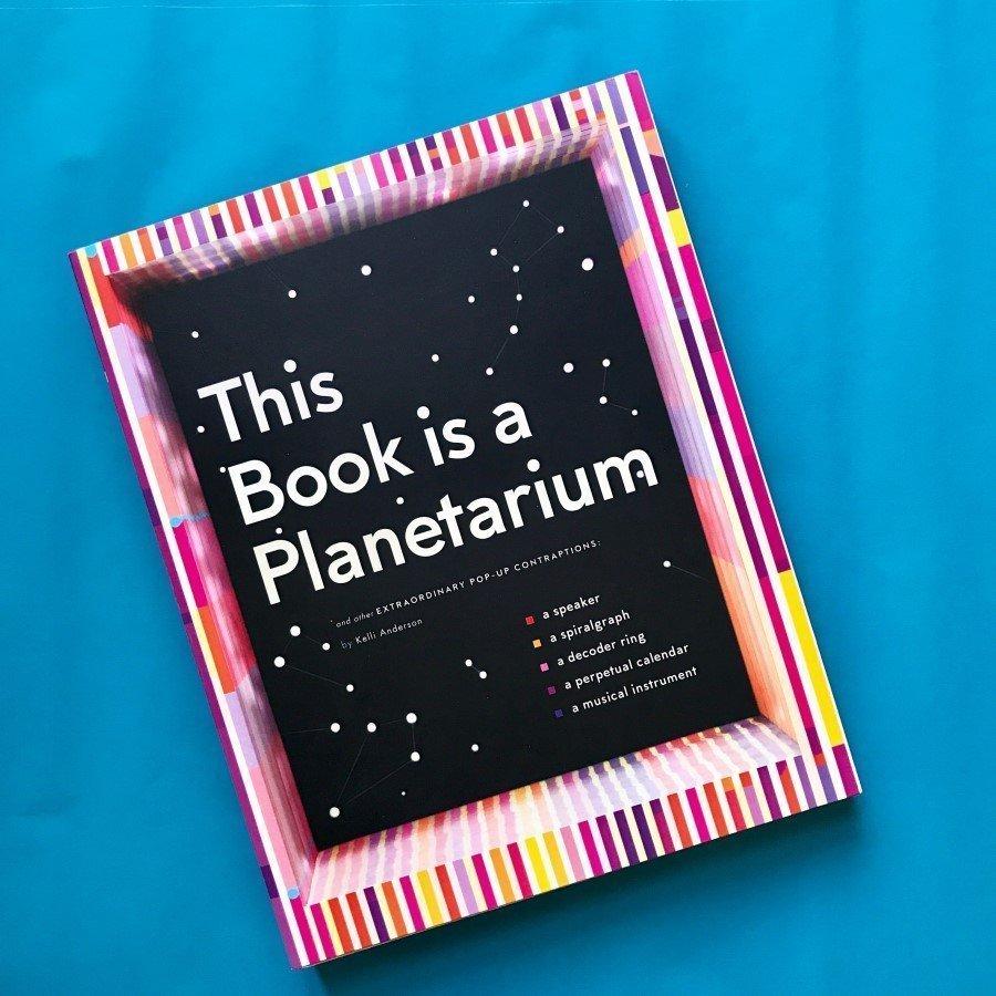 This book is a planetarium libro bambini