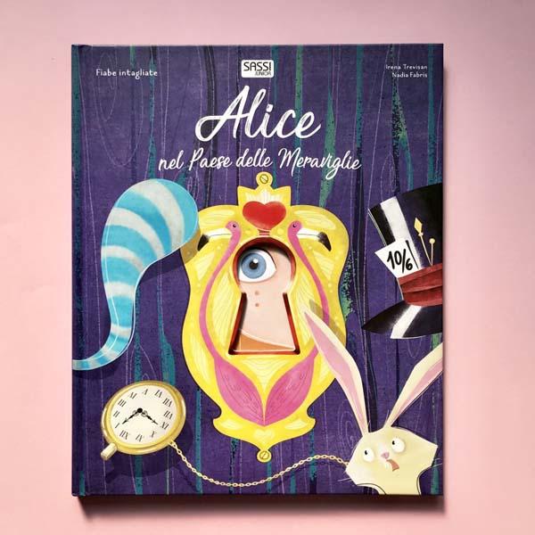 Alice nel paese delle meraviglie. Fiabe intagliate.